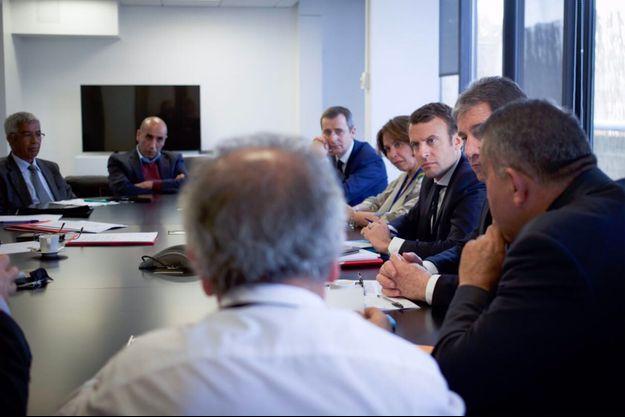 Emmanuel Macron a rencontré ce jeudi des représentations des associations harkies.