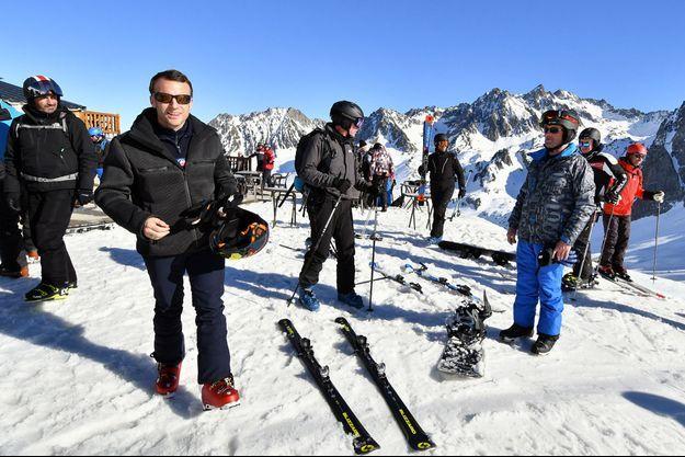 Emmanuel Macron était à la station de sports d'hiver La Mongie (Pyrénées françaises) le 15 mars 2019.