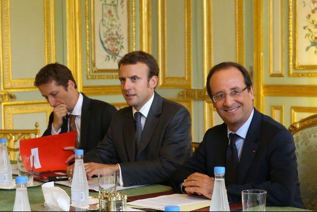 Emmanuel Macron aux côtés de François Hollande le 5 septembre 2012.