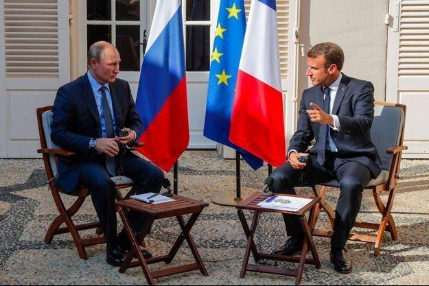 Vladimir Poutine et Emmanuel Macron en août 2019.