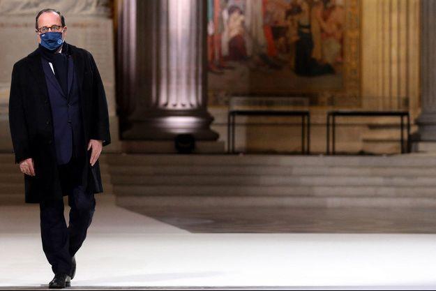 François Hollande lors de l'entrée au Pantheon de Maurice Genevoix.