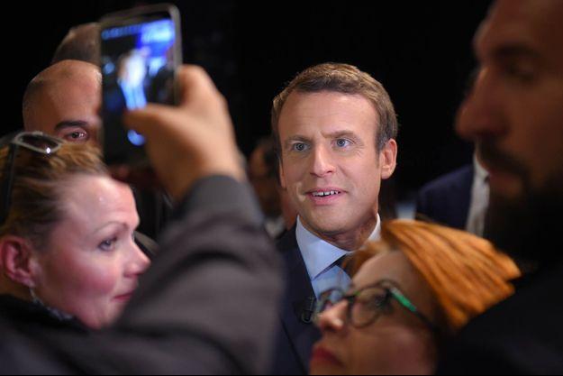 Emmanuel Macron lors d'un déplacement à Châtellerault