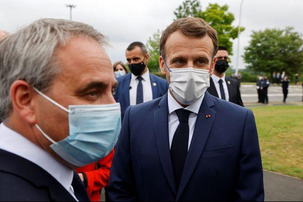 Xavier Bertrand et Emmanuel Macron à Douai.
