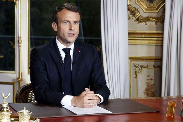 Emmanuel Macron a pris la parole le lendemain de l'incendie de Notre-Dame de Paris.