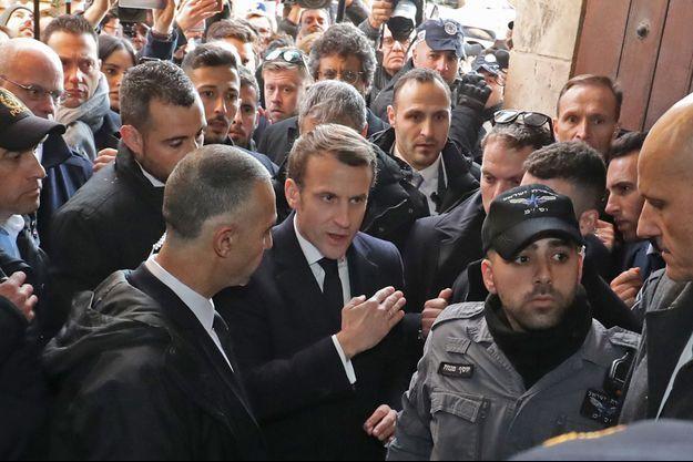 Emmanuel Macron mercredi à l'église Sainte-Anne de Jérusalem.