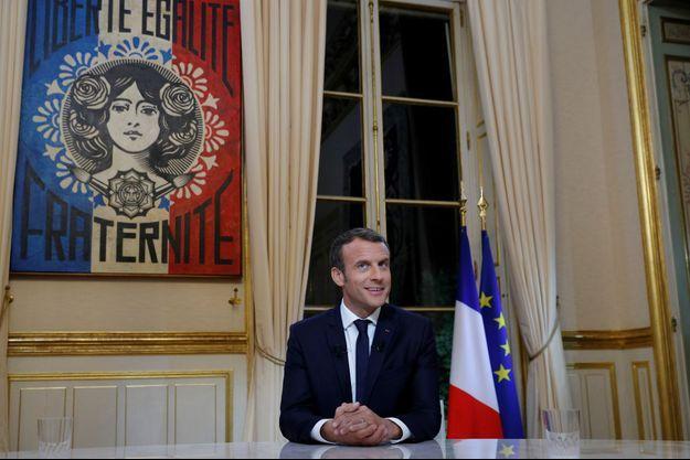 Emmanuel Macron , dimanche à l'Elysée lors de sa première interview télévisée depuis son investiture.