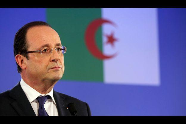 François Hollande à Alger, mercredi.