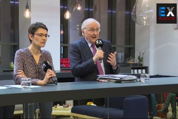 Nathalie Arthaud et Jacques Cheminade lors du débat retransmis via Facebook par le nouveau média Explicite.