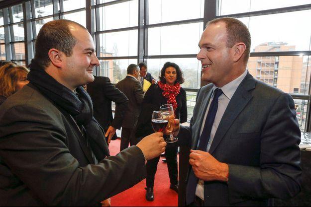 Deux jeunes maires FN trinquent au congrès du parti, en novembre dernier : David Rachline (Fréjus) et Steeve Briois (Hénin-Beaumont).