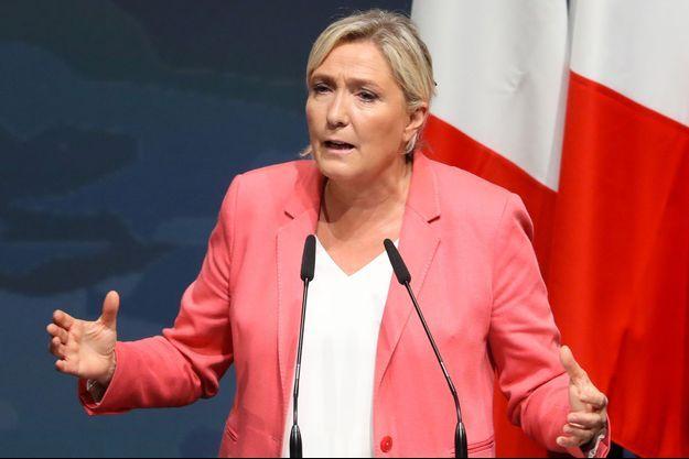 Lors de son discours de rentrée le 6 septembre, Marine Le Pen a étrillé Eric Dupond-Moretti.