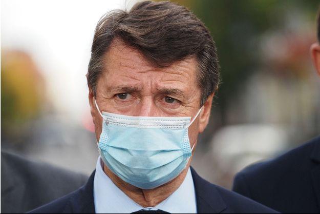 La maire de Nice Christian Estrosi, jeudi sur les lieux de l'attentat.