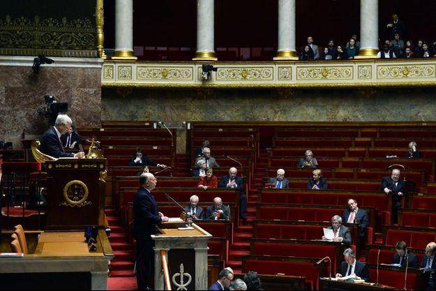 Bernard Cazeneuve à l'Assemblée nationale le 16 février dernier, lors de la discussion sur la prolongation de l'état d'urgence.