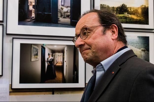 François Hollande, ici le 12 mai visitant une exposition photo à Paris.