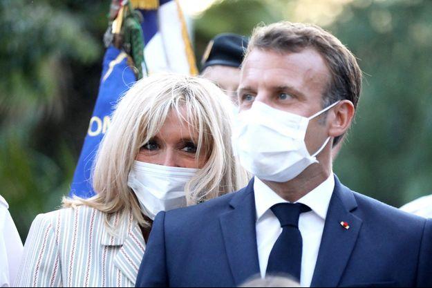 Brigitte et Emmanuel Macron, à Bormes-les-Mimosas.