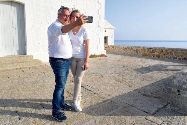 Selfie au phare de la Pietra, à l'île-Rousse, avant le retour dans le Nord.