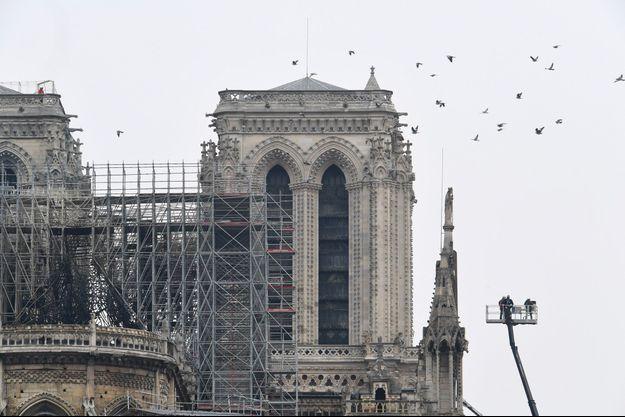 La cathédrale Notre-Dame de Paris mardi 16 avril.