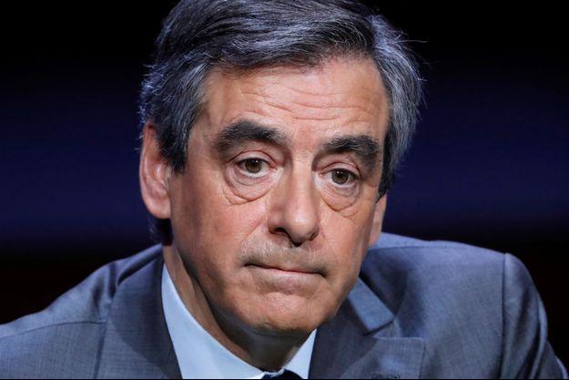 François Fillon à la conférence de l'Association des Maires de France, mercredi 22 mars 2017.