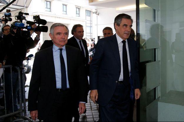 François Fillon, lundi à côté Bernard Accoyer, lors de son arrivée au bureau politique des Républicains