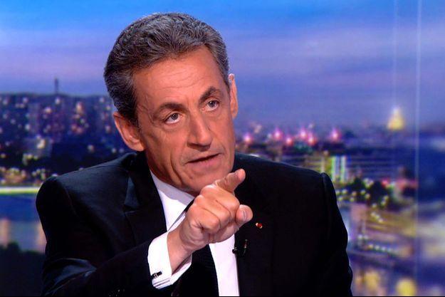 Nicolas Sarkozy sur le plateau du journal télévisé de TF1.