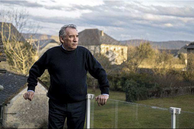 Le 21 janvier, François Bayrou sur la terrasse de sa maison à Bordères, son village natal dans les Pyrénées-Atlantiques.