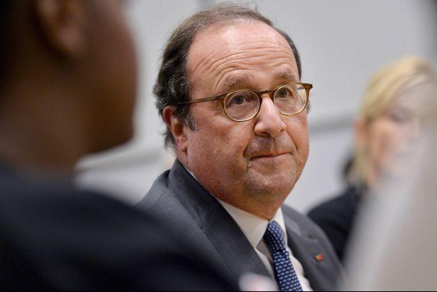 """François Hollande estime que Donald Trump a """"mis le monde en danger"""" avec sa décision """"plus que malencontreuse"""" d'éliminer le général iranien Qassem Soleimani."""