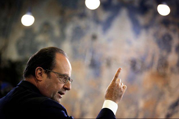 François Hollande le 1er mars lors de sa visite de la start-up française Showroomprive.