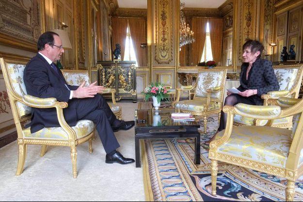 Jeudi 2 mai, 15 heures, notre journaliste Elisabeth Chavelet vient d'entrer dans le bureau du président. L'interview va durer une heure.