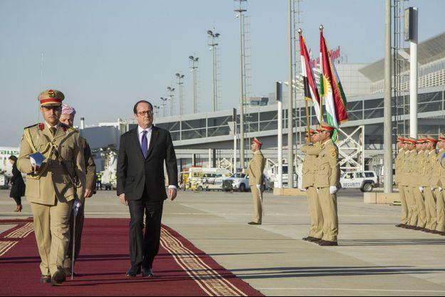 Arrivée de François Hollande à Erbil, au Kurdistan irakien, le 2 janvier, pour une visite éclair de vingt-quatre heures.