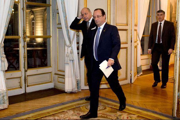 François Hollande de retour à l'Elysée après le sommet franco-africain à l'hôtel de la Marine, le 5 décembre 2013.