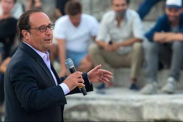 François Hollande le 21 juillet à Arles.