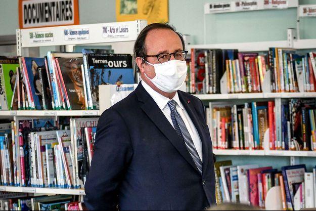 François Hollande ici en décembre lors d'une intervention dans une école.