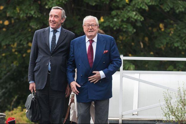Frédéric Joachim aux côtés de Jean-Marie Le Pen, jeudi.