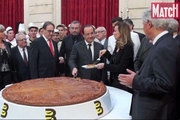 François Hollande et Valérie Trierweiler partagent la galette mardi 7 janvier à l'Elysée.