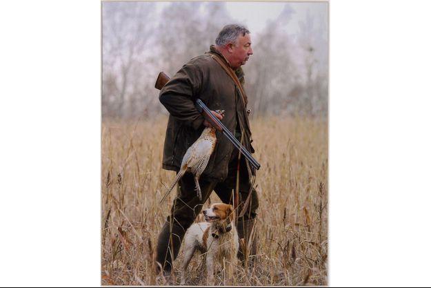 Gérard Larcher lors d'une de ses dernières chasses avec sa chienne Uppy, à l'automne 2017.