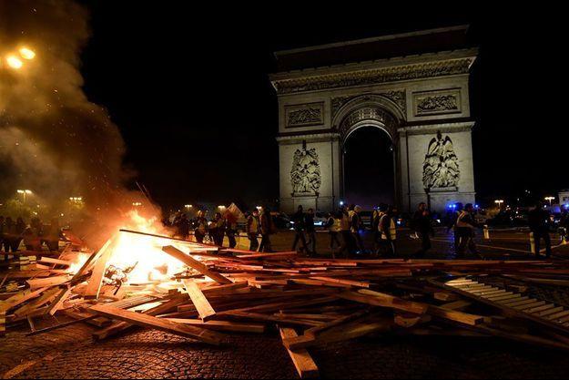 """Les Champs-Elysées ont été le théâtre de violences lors de la manifestation des """"gilets jaunes""""."""