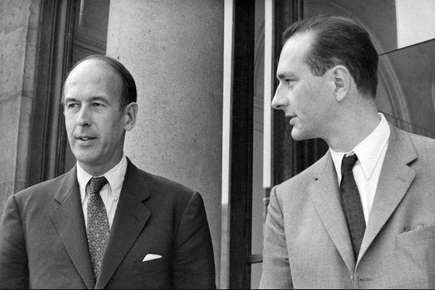 Valéry Giscard d'Estaing et Jacques Chirac, jeunes ministres, en août 1969 à l'Elysée.