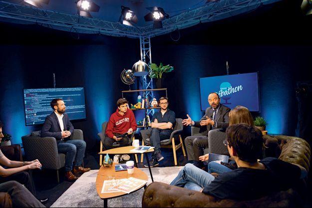 Edouard Philippe, le 19 février, dans les studios d'Accropolis, une chaîne de Twitch, à Ivry-sur-Seine, où dix ministres sont venus débattre avec la jeunesse.