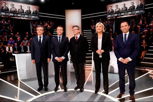 François Fillon, Emmanuel Macron, Jean-Luc Mélenchon, Marine Le Pen et Benoît Hamon lors du débat présidentiel sur TF1.