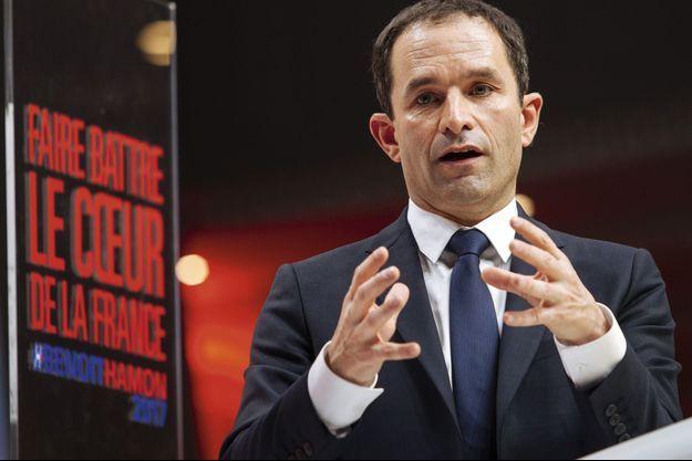 Benoît Hamon, lors de son investiture comme candidat du PS à l'élection présidentielle, le 5 février à la Mutualité, à Paris.