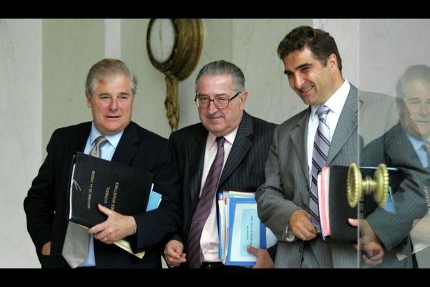 Henri Cuq, au centre, était un homme de dossier.