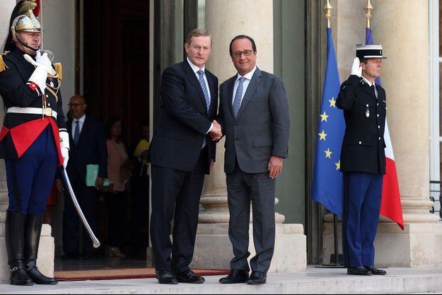 François Hollande aux côtés du Premier ministre irlandais Enda Kenny à l'Élysée