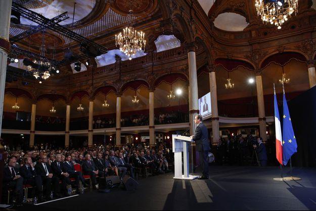 François Hollande à la salle Wagram, à Paris, jeudi.