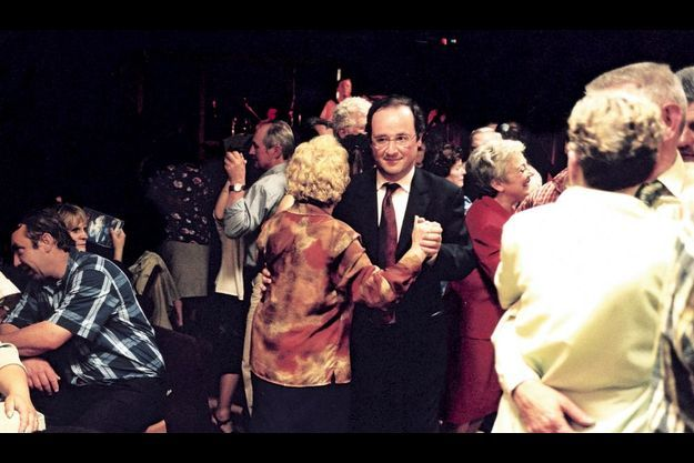 Pendant la campagne pour les législatives, en juin 2002. « J'ai embrassé un nombre de femmes comme jamais dans ma vie je n'avais pu et ne pourrai le faire ! »