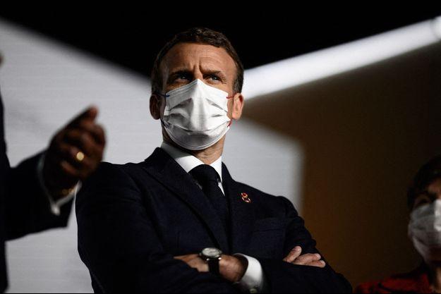 Emmanuel Macron lors du Sommet sur le financement des économies africaines, à Paris.