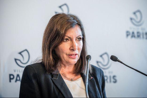 Anne Hidalgo la semaine dernière lors d'un conférence de presse autour du reconfinement.