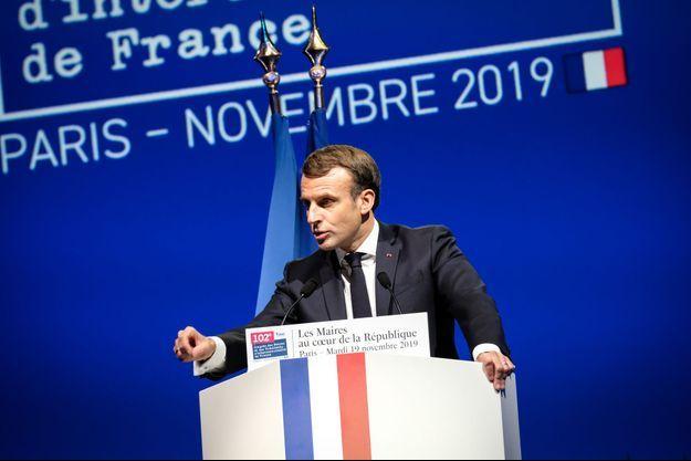 Emmanuel Macron mardi devant le congrès de l'Association des maires de France.