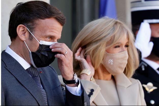 Emmanuel et Brigitte Macron ici à l'Elysée le 26 avril.