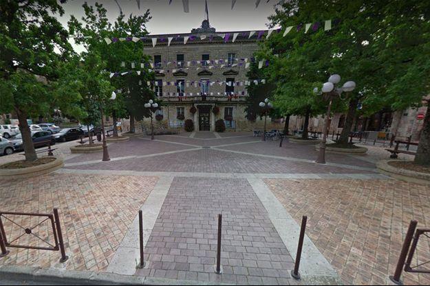 Devant la mairie d'Agen, dans le Lot-et-Garonne. (photo d'illustration)