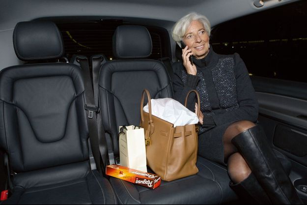 Christine Lagarde pose pour Paris Match.