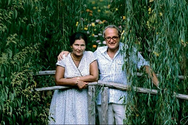 En vacances avec Antoine à Sainte-Maxime, en août 1980. Simone est alors présidente du Parlement européen.
